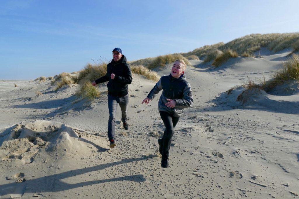 Running downhill dunes
